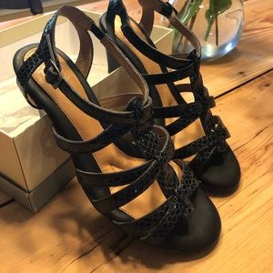Shoes - Nuture Heels